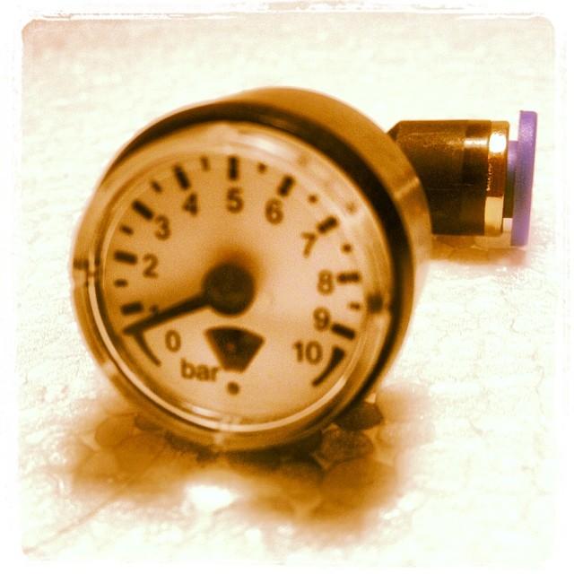 Mini-Manometer inkl. Schlauchfitting, montagefertig, 0-10bar